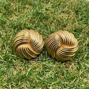 Vintage gold abstract disc 80s round knot rope